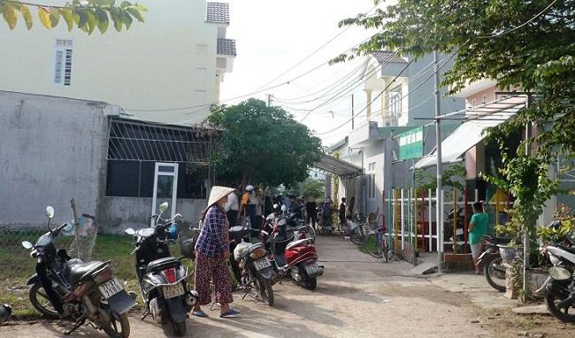 Bình Định: Hai vợ chồng giáo viên về hưu tử vong trong nhà, trên người nhiều vết thương - Ảnh 1