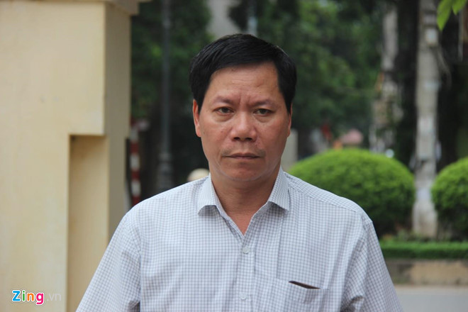 Xét xử vụ chạy thận 9 người chết ở Hòa Bình: Bác sĩ Hoàng Công Lương đến tòa cùng chú ruột - Ảnh 2