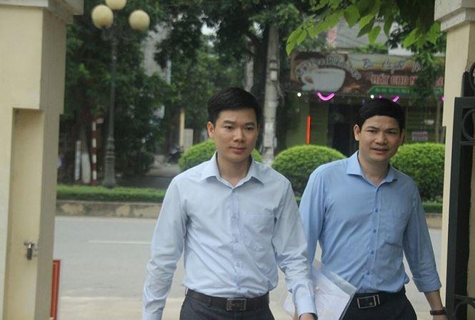 Xét xử vụ chạy thận 9 người chết ở Hòa Bình: Bác sĩ Hoàng Công Lương đến tòa cùng chú ruột - Ảnh 5