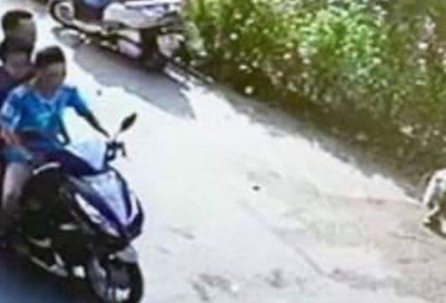"""Thái Bình: Điều tra vụ xe máy """"kẹp 3"""" tông người phụ nữ nguy kịch rồi bỏ trốn - Ảnh 1"""
