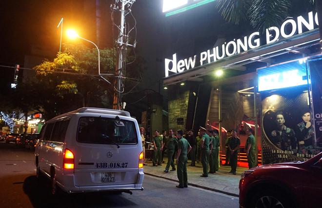 """Đột kích vũ trường New Phương Đông trong đêm, phát hiện 75 người """"thác loạn"""" dương tính ma túy - Ảnh 1"""