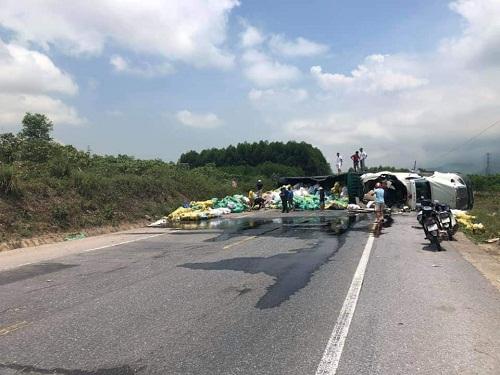Tin tức tai nạn giao thông mới nóng nhất hôm nay 24/5/2019: Tự tông vào vỉa hè, nam sinh tử vong thương tâm - Ảnh 1