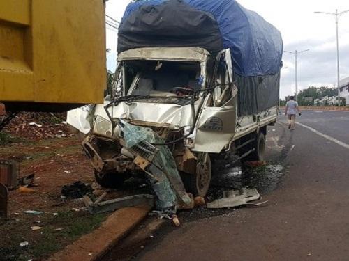 Tin tức tai nạn giao thông mới nóng nhất hôm nay 25/5/2019: Tai nạn xe khách, 7 người nhập viện - Ảnh 3