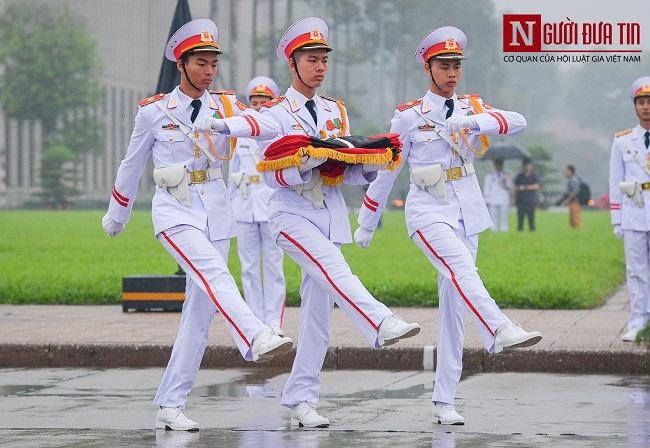 Lễ thượng cờ rủ Quốc tang nguyên Chủ tịch nước Lê Đức Anh - Ảnh 5