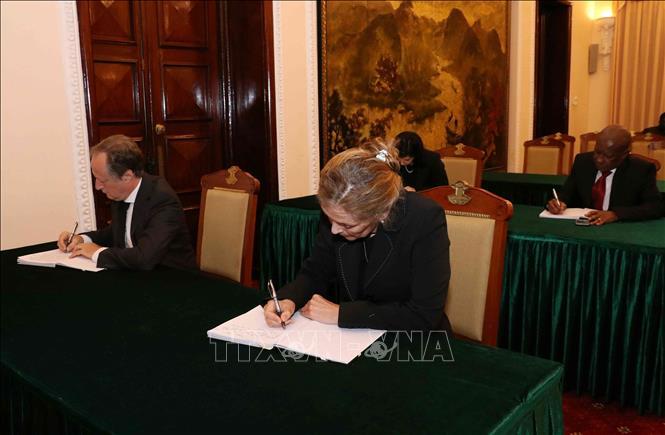 Tình cảm của bạn bè quốc tế với nguyên Chủ tịch nước, Đại tướng Lê Đức Anh - Ảnh 2