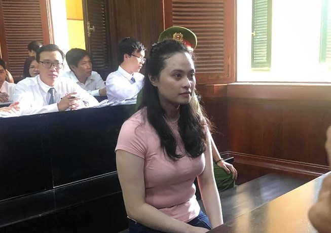 """Hình ảnh đầu tiên của """"trùm"""" ma túy Văn Kính Dương và hot girl Ngọc Miu tại tòa - Ảnh 3"""