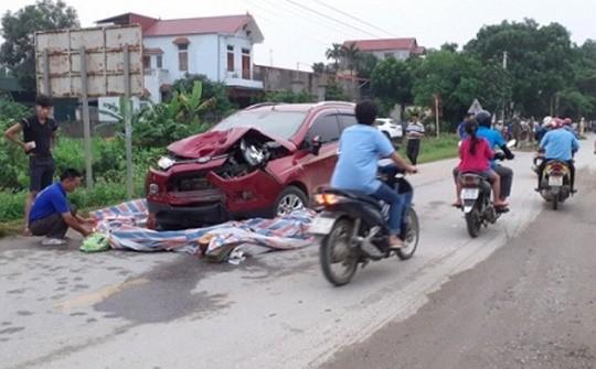 Tin tức tai nạn giao thông mới nhất hôm nay 2/6/2019: Xe buýt va chạm xe tải, 2 tài xế bị thương nặng - Ảnh 3