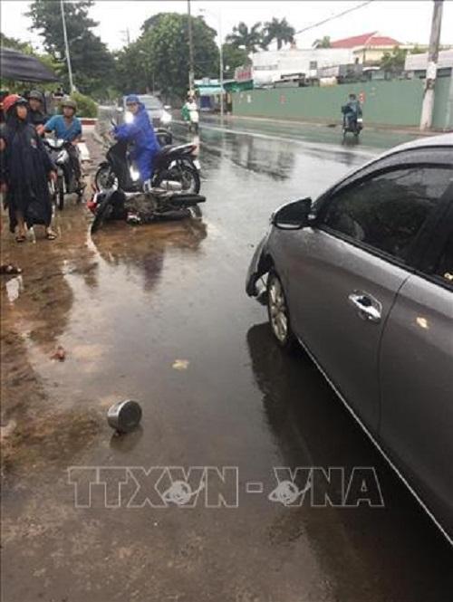 Tin tức tai nạn giao thông mới nhất hôm nay 17/6/2019: Xe Mercedes tông 3 căn nhà, 1 người tử vong - Ảnh 2
