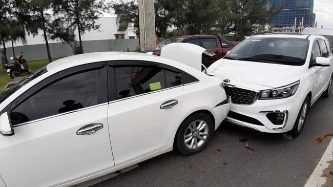 Tin tức tai nạn giao thông mới nhất hôm nay 17/6/2019: Xe Mercedes tông 3 căn nhà, 1 người tử vong - Ảnh 3