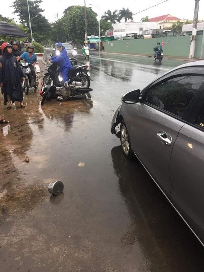 Tin tức tai nạn giao thông mới nhất hôm nay 19/6/2019: Phạt tài xế ô tô chở quá tải chống đối CSGT - Ảnh 3