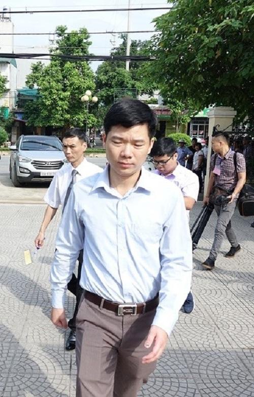 Vụ chạy thận 9 người chết ở Hòa Bình: Bị cáo Hoàng Công Lương chịu 30 tháng tù giam - Ảnh 1
