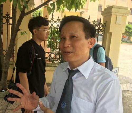 Vụ chạy thận 9 người chết ở Hòa Bình: Bị cáo Hoàng Công Lương suy sụp vì bản án 30 tháng tù - Ảnh 2