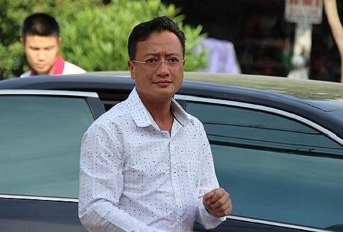 Vụ chạy thận 9 người chết ở Hòa Bình: Bị cáo Hoàng Công Lương suy sụp vì bản án 30 tháng tù - Ảnh 3