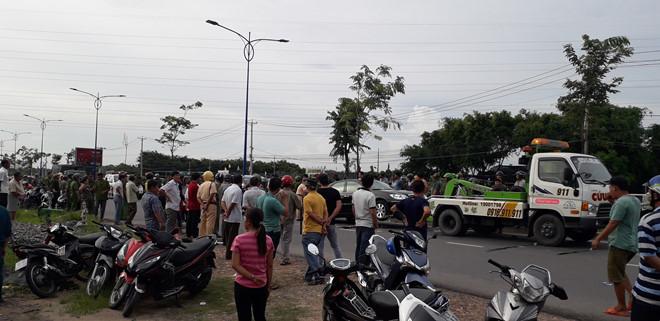 Vụ nhóm giang hồ chặn xe chở công an ở Đồng Nai: Tạm đình chỉ 2 công an - Ảnh 1