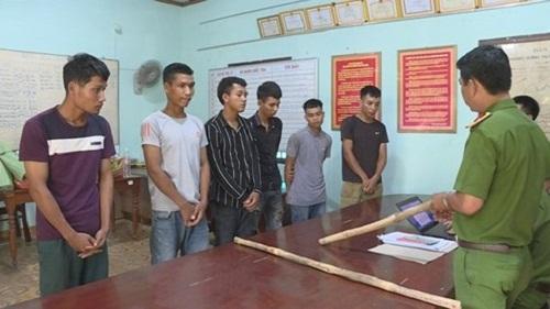 Đắk Lắk: Điều tra vụ nhóm thanh niên hỗn chiến, chém 2 cha con trọng thương - Ảnh 1