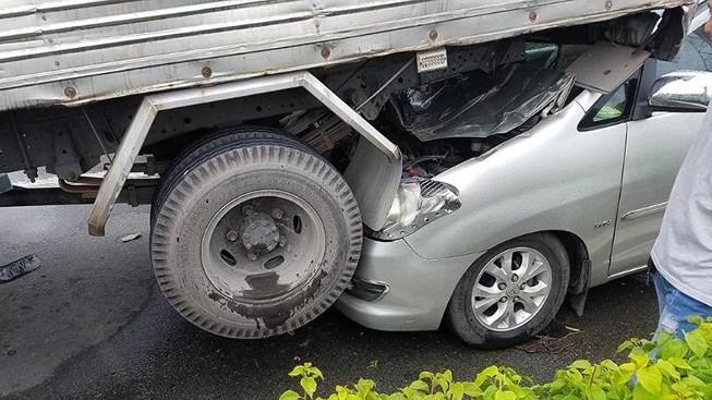 Tin tức tai nạn giao thông mới nhất hôm nay 25/6/2019: Đi cấy thuê, 3 phụ nữ đâm phải xe tải thương vong - Ảnh 2