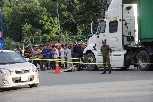 Tin tức tai nạn giao thông mới nhất hôm nay 25/6/2019: Đi cấy thuê, 3 phụ nữ đâm phải xe tải thương vong - Ảnh 3