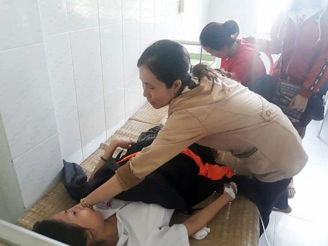 Tin tức tai nạn giao thông mới nhất hôm nay 26/6/2019: Nam sinh bị xe bồn tông gãy chân khi đi thi THPT quốc gia - Ảnh 2