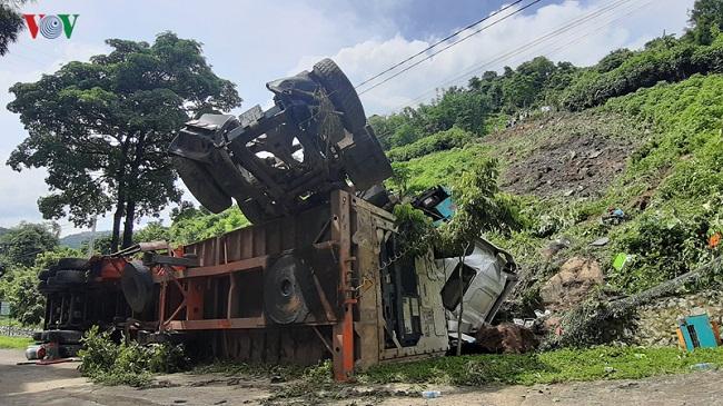 Tin tức tai nạn giao thông mới nhất hôm nay 26/6/2019: Nam sinh bị xe bồn tông gãy chân khi đi thi THPT quốc gia - Ảnh 4