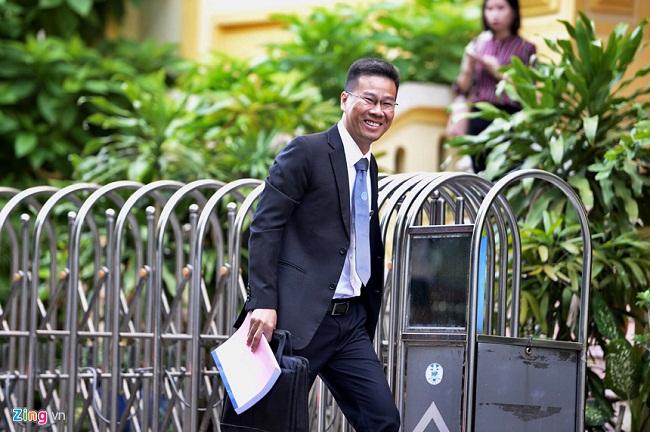 Sắc thái trái ngược của ông Nguyễn Hữu Linh và luật sư bào chữa khi đến phòng xử án - Ảnh 4