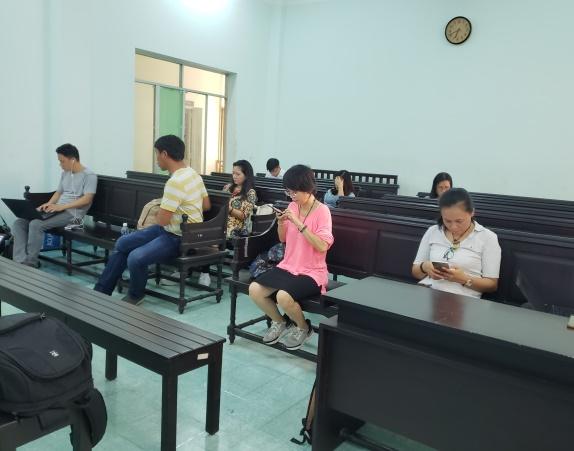 Sắc thái trái ngược của ông Nguyễn Hữu Linh và luật sư bào chữa khi đến phòng xử án - Ảnh 6