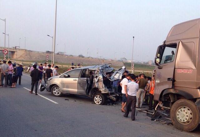 Vụ container đâm Innova đi lùi trên cao tốc: Tài xế Lê Ngọc Hoàng bị đề nghị mức án 7-15 năm tù - Ảnh 2