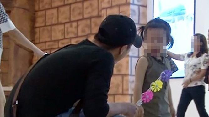 Bình Định: Triệu tập hai đối tượng tung tin bắt cóc trẻ em sai sự thật trên Facebook - Ảnh 1