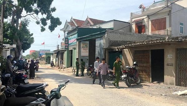 Nghệ An: Nữ cán bộ phòng GD-ĐT tử vong trong tư thế treo cổ tại nhà riêng - Ảnh 1