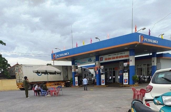 Nghệ An: Điều tra vụ nữ nhân viên bán xăng bị đâm tử vong trong đêm - Ảnh 1