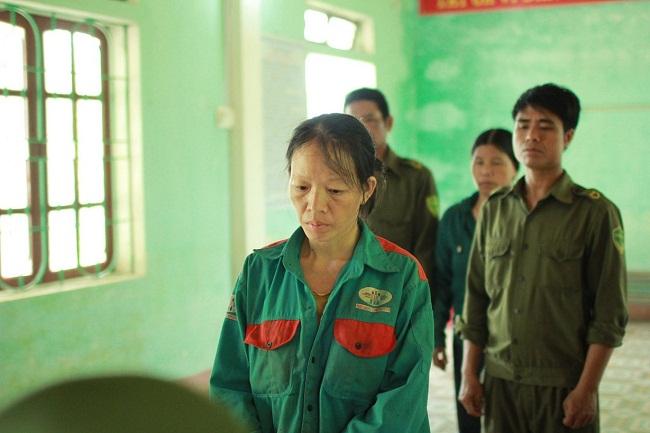 Khởi tố người phụ nữ đốt cỏ ruộng gây nên vụ cháy rừng nghiêm trọng tại Hà Tĩnh - Ảnh 1