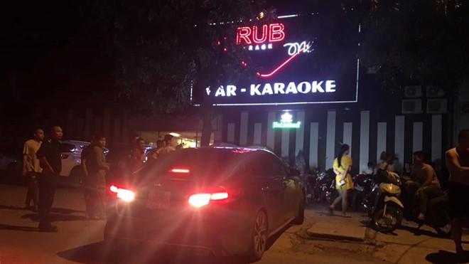 Hải Dương: Đột kích quán karaoke Ruby One, bắt 40 đối tượng dương tính với ma túy - Ảnh 1