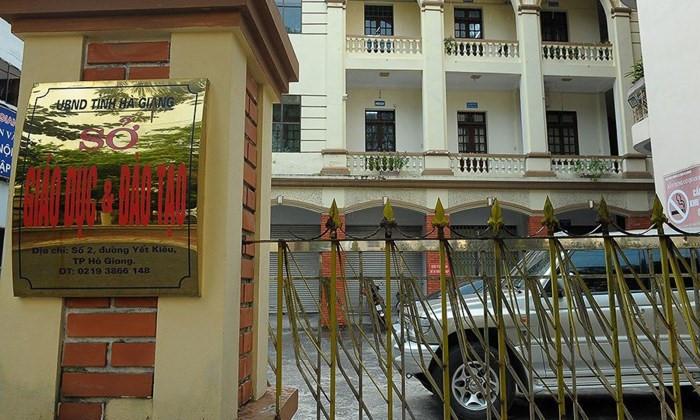 Vụ gian lận điểm thi THPT quốc gia tại Hà Giang: 5 cán bộ chuẩn bị hầu tòa - Ảnh 2