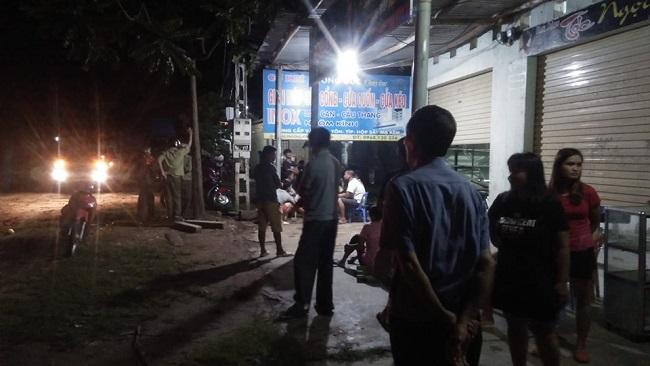 Nghệ An: Truy tìm nhóm đối tượng đâm tử vong một nam thanh niên trong lúc hỗn chiến - Ảnh 1
