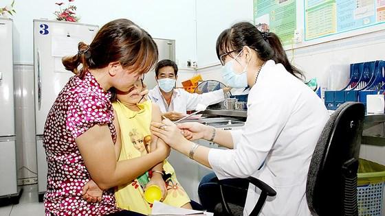 Hoàn tất công trình nghiên cứu lâm sàng vắc-xin sốt xuất huyết tại Việt Nam - Ảnh 2