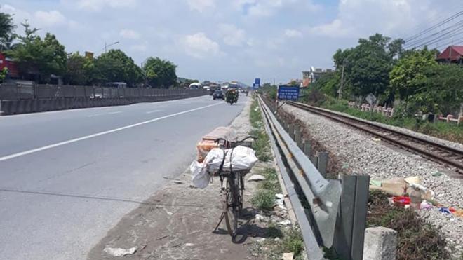 Tin tức tai nạn giao thông mới nhất hôm nay 29/7/2019: Mẹ ca sỹ Châu Việt Cường bị tàu hỏa cán tử vong - Ảnh 1