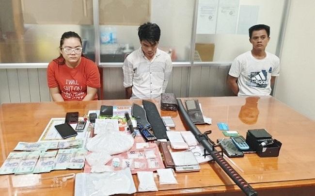 Cần Thơ: Bắt bà trùm và 5 đàn em trong đường dây buôn bán ma túy - Ảnh 1