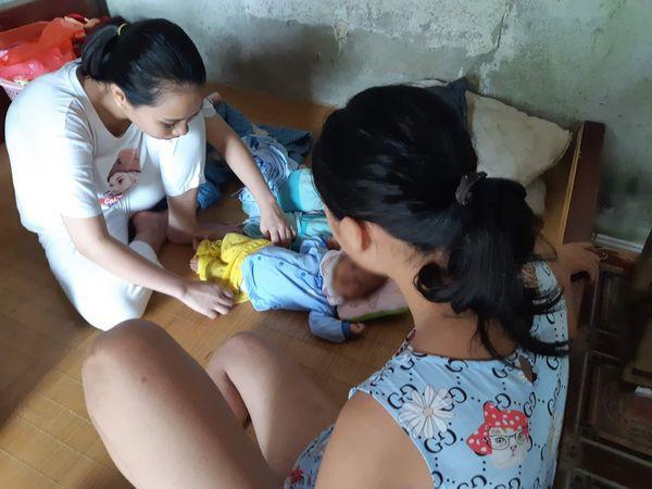 Vụ nữ sinh lớp 8 sinh con, bố bị bắt vì nghi xâm hại ở Phú Thọ: Bà nội tiết lộ thông tin sốc - Ảnh 1