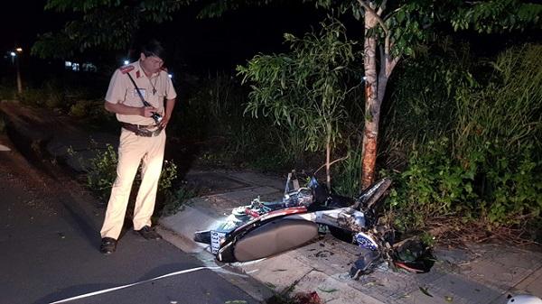 Tin tức tai nạn giao thông mới nhất hôm nay 8/7: Xe tải lật ngửa dưới vực sâu 100m, tài xế thiệt mạng - Ảnh 4