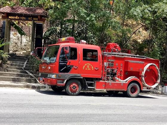 Lại xảy ra cháy rừng tại Hà Tĩnh, hàng trăm người tham gia dập lửa - Ảnh 3
