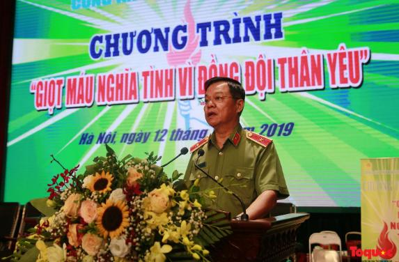 """Hà Nội: Hơn 1.000 cán bộ, chiến sỹ tham gia hiến máu """"nghĩa tình vì đồng đội thân yêu"""" - Ảnh 2"""