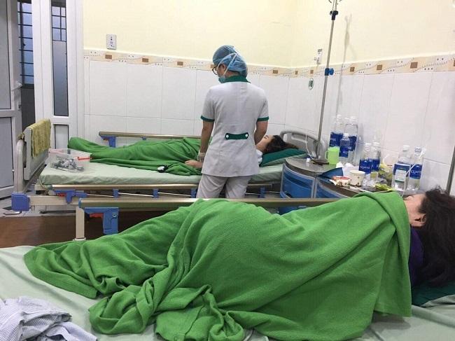 Đà Nẵng: Làm rõ vụ 9 du khách nhập viện sau khi ăn trưa tại quán ăn nổi tiếng - Ảnh 2