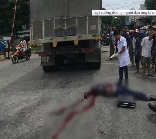 Tin tức tai nạn giao thông mới nhất hôm nay 18/8/2019: Xe chở bia gặp nạn, người dân hỗ trợ tài xế - Ảnh 3