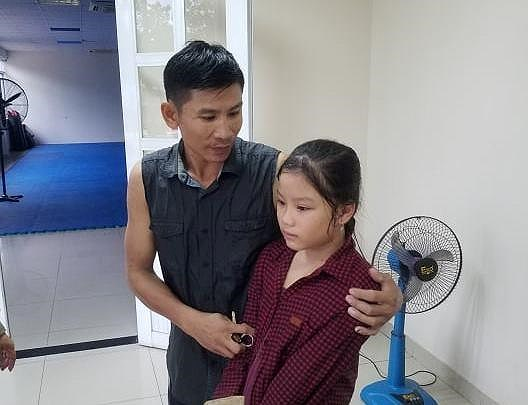 Bình Dương: Khen thưởng Đội PCCC giải cứu hai cha con suýt chết đuối dưới ống cống - Ảnh 2