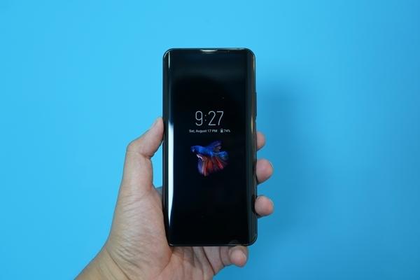 Tin tức công nghệ mới nhất hôm nay 20/8/2019: Điện thoại hai màn hình xuất hiện tại Việt Nam - Ảnh 1