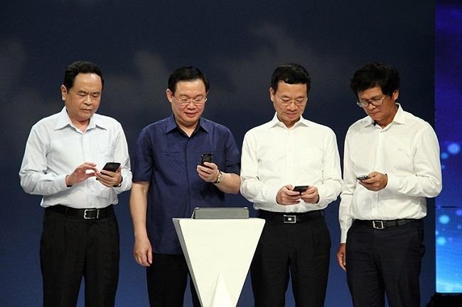 Tin tức công nghệ mới nhất hôm nay 20/8/2019: Điện thoại hai màn hình xuất hiện tại Việt Nam - Ảnh 2