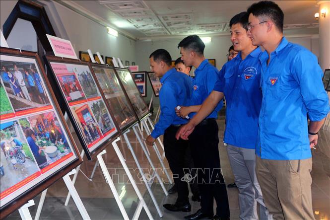 Triển lãm ảnh '50 năm thực hiện Di chúc của Chủ tịch Hồ Chí Minh' - Ảnh 3