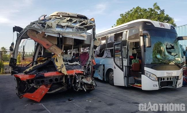 """Nhân chứng vụ va chạm 2 xe khách làm hơn 40 người thương vong: Tôi chỉ nghe tiếng """"đùng"""" rồi ngất xỉu - Ảnh 1"""