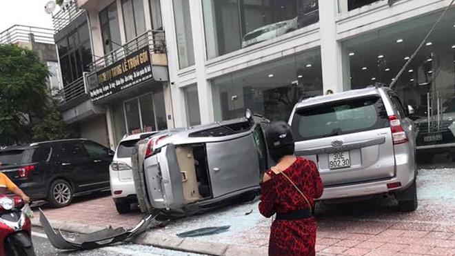 Tin tức tai nạn giao thông mới nhất hôm nay 23/8/2019: Người đàn ông tông CSGT để bỏ chạy - Ảnh 3