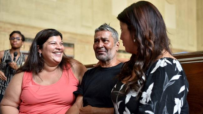 Tin tức đời sống mới nhất ngày 23/8/2019: Người đàn ông đoàn tụ với con gái sau 24 năm xa cách - Ảnh 1