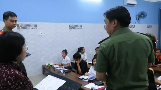 Đà Nẵng: Phát hiện trung tâm ngoại ngữ truyền đạo trái phép cho học viên - Ảnh 1